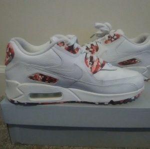 Air Max London Sneakers